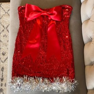 Perfect Holiday Dress! Sequins, tinsel & a bow! 🎀